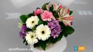 Букет в корзине Дарю - букет любимой на 8 марта. Заказать цветы к 8 марта - SendFlowers.ua(Заказать букет Дарю прямо сейчас: http://www.sendflowers.ua/product/daryu Букет «Дарю» - розовое чудо в корзинке. Сочетание..., 2014-02-28T08:26:37.000Z)