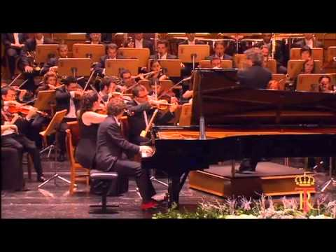 Giuseppe Albanese Plays Rachmaninoff's Second Piano Concerto In C Minor Op. 18