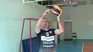 Планирующая подача мяча в прыжке