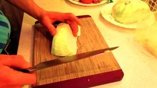 Как правильно шинковать. Видеоурок.(Видеоурок для начинающих поваров о том,как правильно и быстро научиться резать и шинковать.О Ножах и досках., 2015-01-31T16:43:37.000Z)