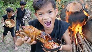 Survival Skills Primitive - Cooking chicken recipe and eating delicious ep0012