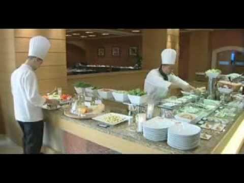 Grosvenor House Dubai, Sloanes Restaurant
