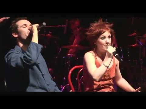 Marie Tout Court Thomas Pitiot   Dis Moi Oui   Une Vidéo Musique 11425778 3amp4 H264 Aac Hq 3a1