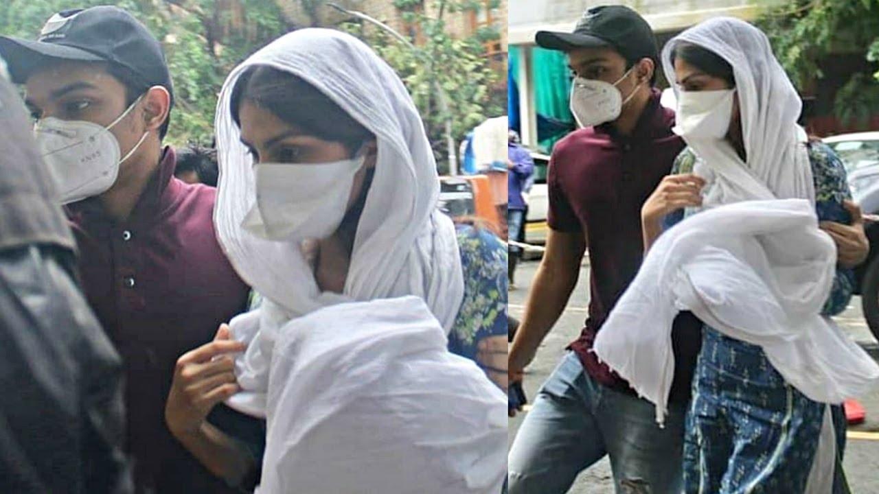 Rhea Chakraborty Surranders Herself To CBI Team Working In Sushant Sing Rajput Case