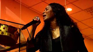 Juanita Bynum: Soul Cry (Oh, Oh, Oh) - Music World Gospel