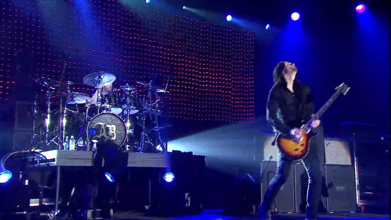 "Download Alter Bridge Live from Wembley - ""Blackbird"""