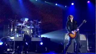 "Download Alter Bridge Live from Wembley - ""Blackbird"""
