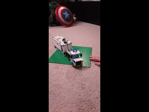 LEGO Mobile Command Center (60139) Set Review | Toys for Life