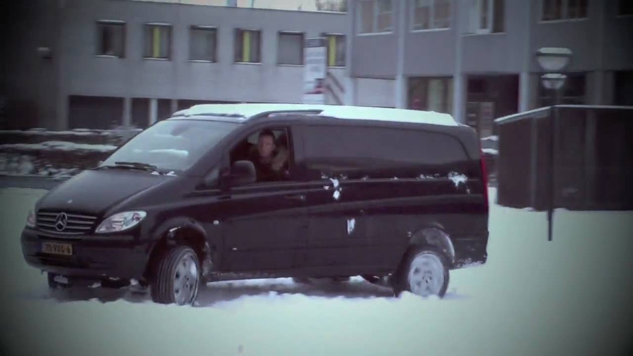 fun in the snow with a mercedes vito 4x4 youtube. Black Bedroom Furniture Sets. Home Design Ideas