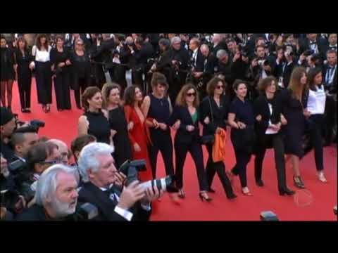 Mulheres fazem protesto em Cannes por igualdade no festival de cinema