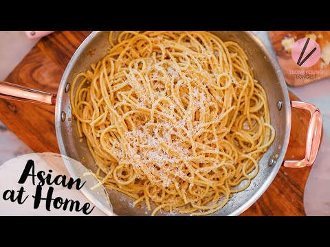 The BEST Garlic Noodles