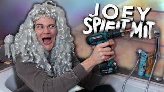 JOEY SPIELT MIT SEINEM BOHRER | Joey's Jungle