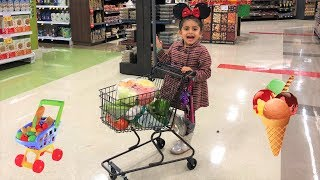 Sally Shopping for Healthy food at the Supermarket!! kids fun video