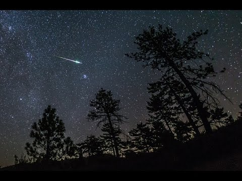 Time-lapse of  the peak of the 2016 Perseid meteor shower over Noble Canyon