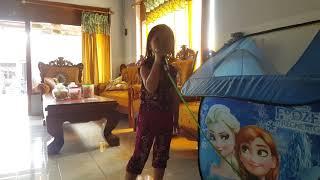 Anak kecil nyanyi lagu SYANTIK