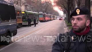 Milano, corteo ambulanti contro Area B immobilizza traffico