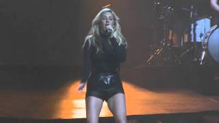 Ellie Goulding performing at Xcel Energy Center May 5, 2016