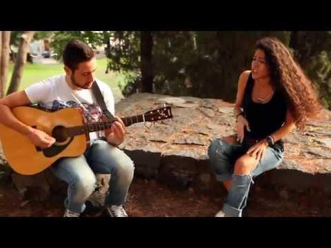 Umbrella - Rihanna    Live Acoustic Cover by Gloria