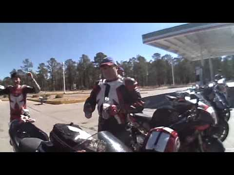 Motoclub Sport de Guadalajara Parada en Gasolinera