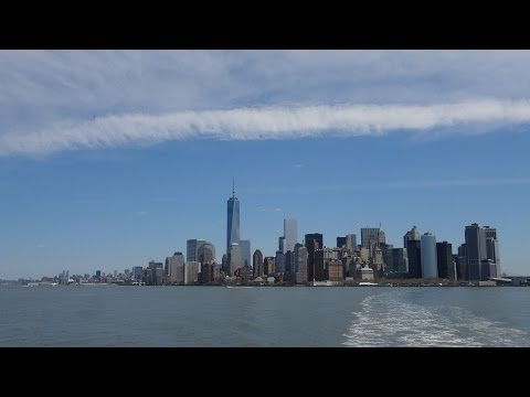 Manhattan New York Skyline - Vue d'ensemble du Financial District, 1WTC, en bateau sur Hudson River