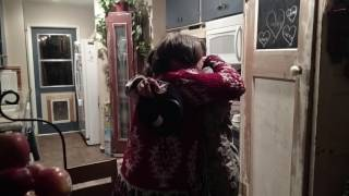 Airman Thiessen Surprises Mom for Christmas