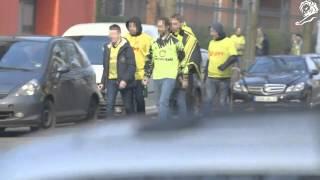 Schalke fans arrive by car