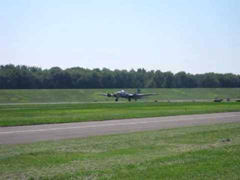 B17 bomber take-off from Hartford Brainard Airport