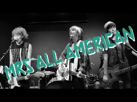 mrs-all-american---5-seconds-of-summer-(music-video-parody)