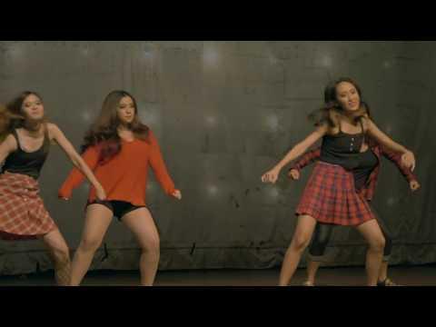 "Traditional meets contemporary dance - ""Happy"" (Pharrell Williams) Jakarta, Indonesia"