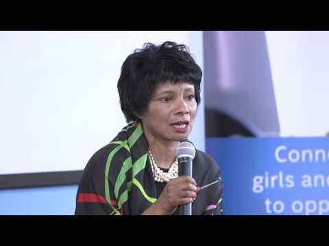 Town Hall with Rosalind Hudnell, Vice President Human Resources - Intel Corporation