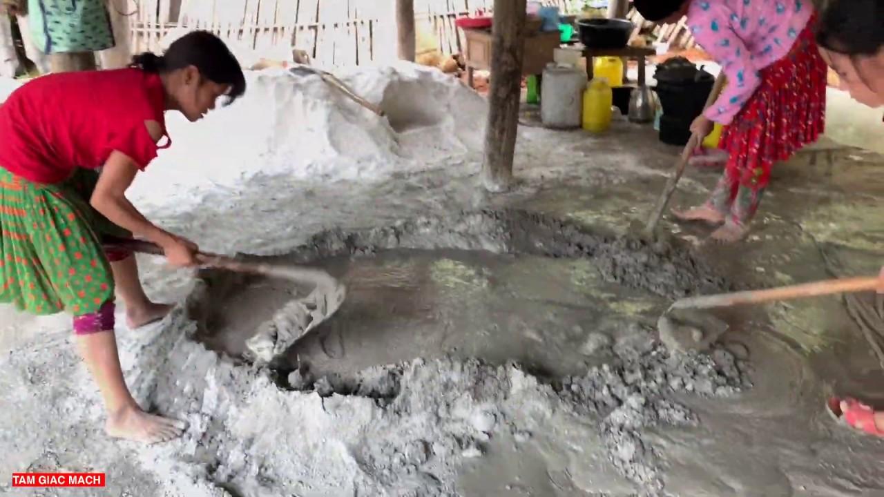 Tặng Gạo Bưng vách nhà A Lử   Chuẩn bị làm đường