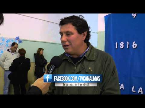 Roberto Trama emitio su voto en la Escuela N°8