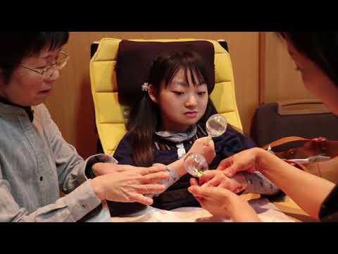 第6回:音楽療法士・下川英子さんと花歩ちゃんのセッション