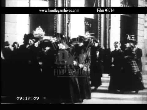 Women in Salon, 1900's.  Archive film 93716