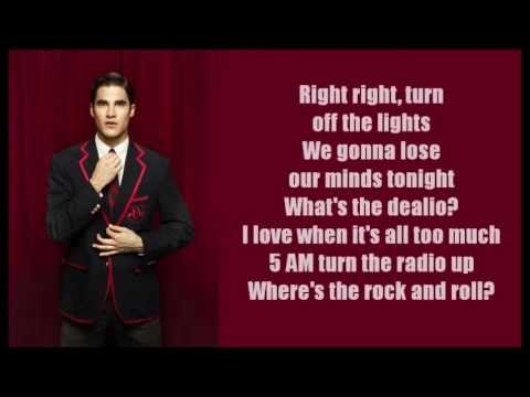 Glee - Raise Your Glass (lyrics)