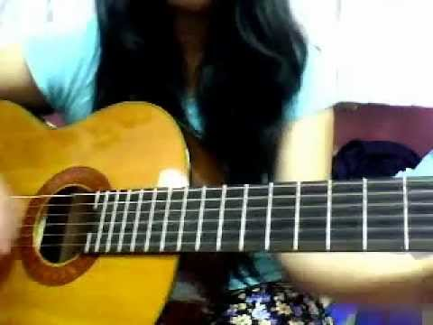 Mistletoe acoustic guitar (WITH CHORDS) - YouTube