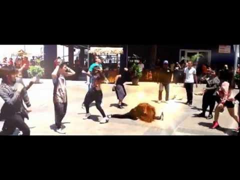 GENTLEMEN FLASHMOB (TOUR BORNEO 2013) - Sandakan Bollywood Dancers & Crew(SBD)