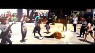 GENTLEMEN FLASHMOB (TOUR BORNEO 2013) - Sandakan Bollywood Dancers & Crew(SBD)
