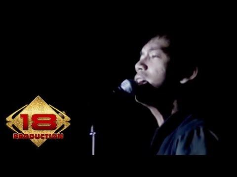 d'Masiv - Di Antara Kalian  (Live Konser Kendari 20 April 2013)