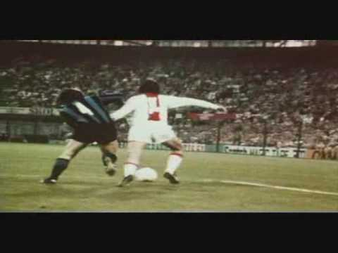 Johan Cruyff Dribbling Compilation (4Dfoot)