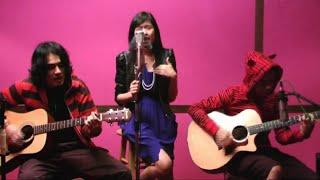 Liyana Jasmay - Aku Jatuh Cinta [ Akustik ] HD
