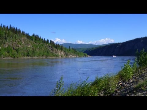Crossing the mighty Yukon River and a visit to Dawson Yukon