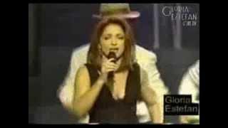 Gloria Estefan - Por Un Beso / No Me Dejes de Querer (Billboard Awards 2001)