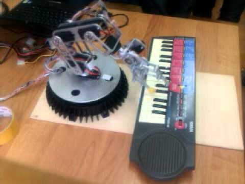 Robotic Arm plays piano