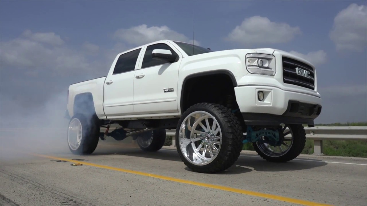 2015 GMC Sierra on 26x14 Fuels and a 9 inch lift, Fully ...