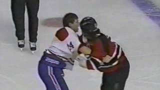 Mike Peluso vs Lyle Odelein Dec 6, 1995