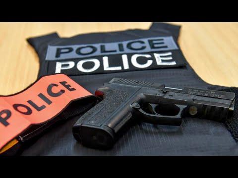 فرنسا: تجريد شرطيين من أسلحتهما بسبب شبهات بتطرفهما الإسلامي  - نشر قبل 18 دقيقة