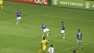 Cruzeiro vence Atlético no Mineirão com dois gols de Ábila