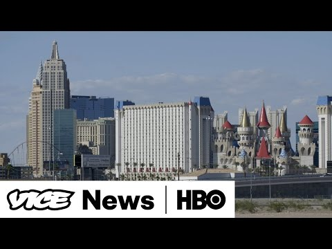 VICE News Tonight: Squatters are taking over Las Vegas' abandoned houses