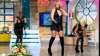 Смотреть клип Roxana Nemes - Stii Ca Sunt Aici